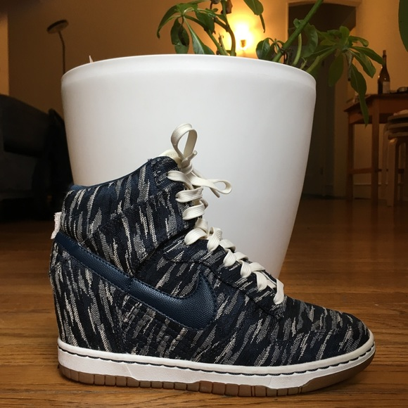 quality design d3634 43e32 NIKE Dunk Sky High Wedge Sneaker in Navy